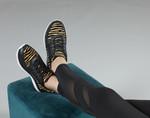 AW20 Remi Tgr Black On-Foot